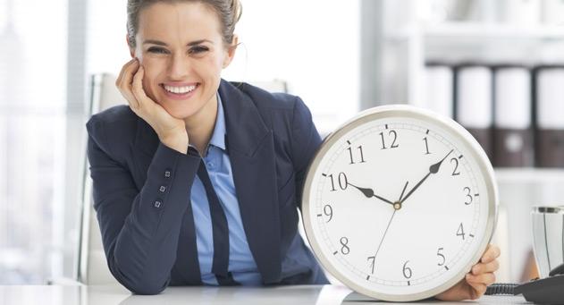 vrouw-met-klok